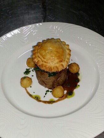 Le Soleil: braised leg of lamb with a goats chesse and sun dried tomato pithivier