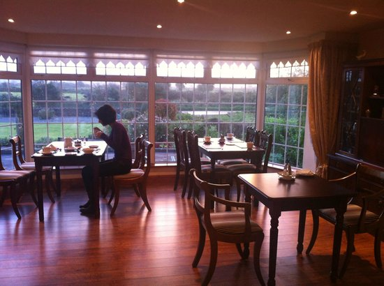 Innisfree B&B: breakfast area