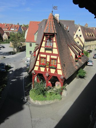 Hotel BurgGartenpalais: vista da muralha.