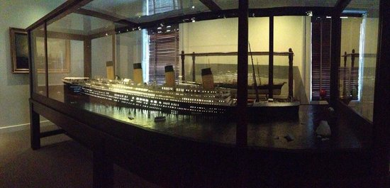 Ships of the Sea Maritime Museum: Model of the Titanic