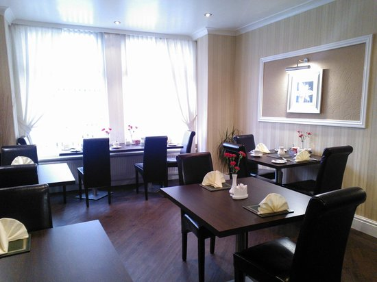 Cherry Tree House Hotel: Dining Room