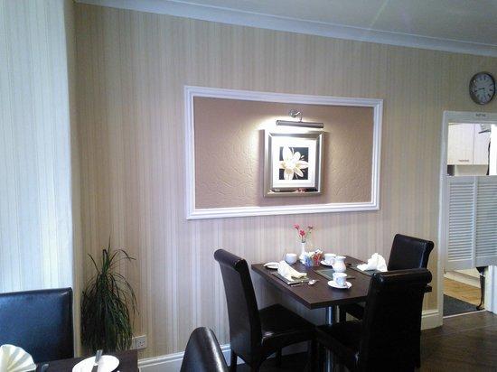 Cherry Tree House Hotel: Dining Room