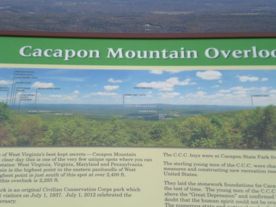 Cacapon State Park: Signage at the Cacapon Mountain Overlook