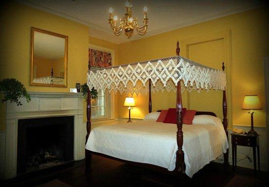 Kings Courtyard Inn : Our wonderful room!