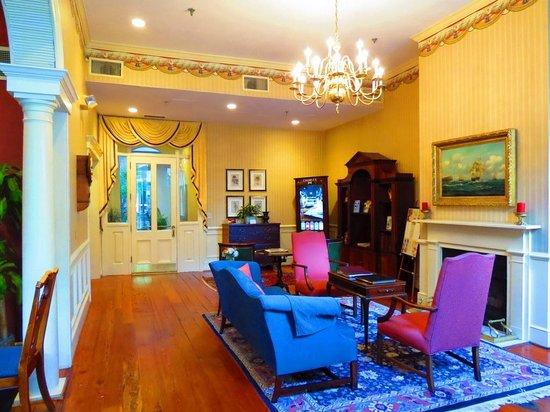 Kings Courtyard Inn: Lobby