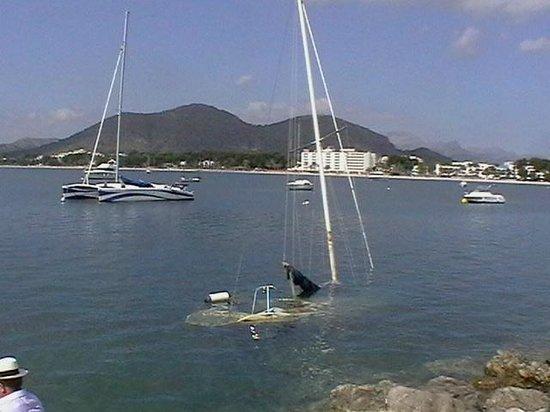 Playa de Alcudia: Shipwrecked