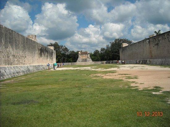 Cancun Passion: Coliseum