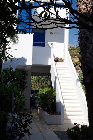Anna Plakias Apartments: inside