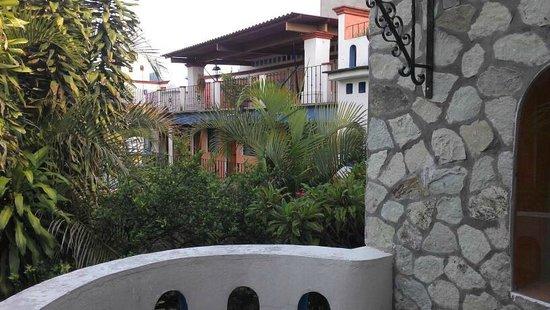 Foto de hotel casa arnel oaxaca jardines y patios - Fotos patios interiores ...