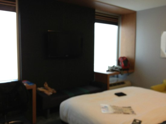 Aloft Asheville Downtown : room interior