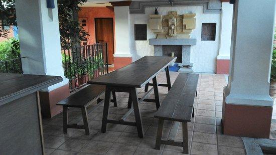 Hotel Casa Arnel: Estancia en el piso superior
