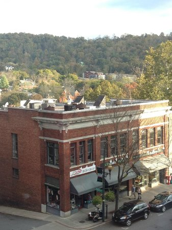 Aloft Asheville Downtown : View from room - City Bakery - definitely go there for breakfast/coffee