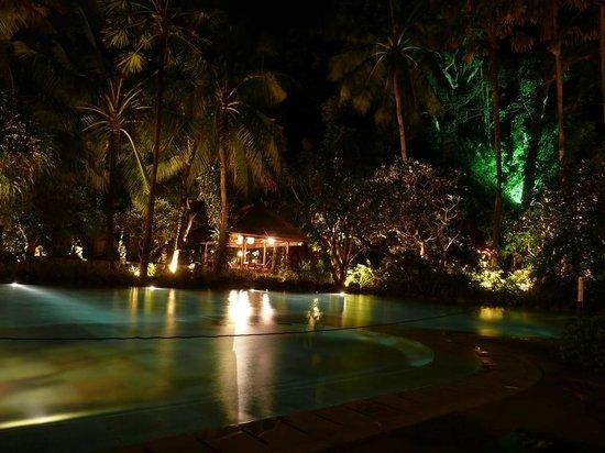 Segara Village Hotel: Kleiner Pool