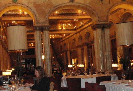 Savini: Vista del restaurante