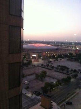 Four Seasons Hotel Houston: Toyota Center at daybreak