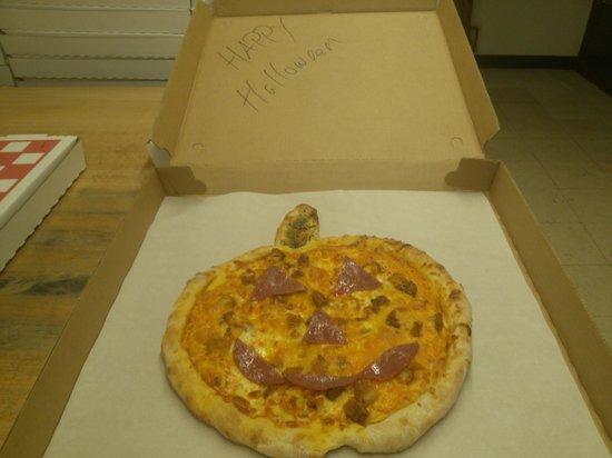 Pizza D's: pizza pie