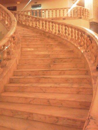 Amir Palace: лестница холла