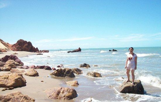 Praia Ponta Grossa : Praia praticamente deserta.