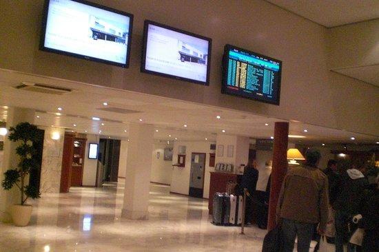 NH Amsterdam Schiphol Airport: Recepção