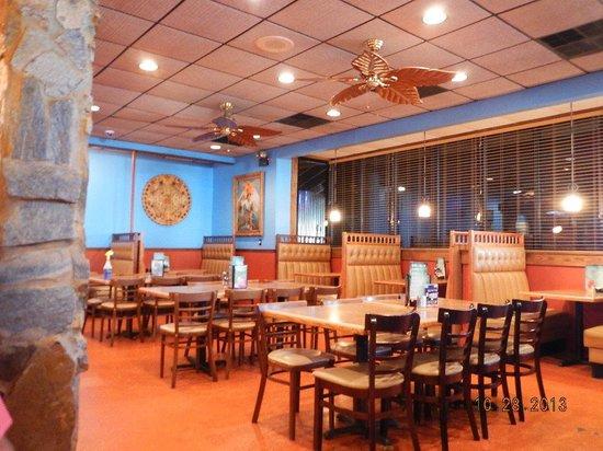 Mariachis Mexican Restaurant: interior