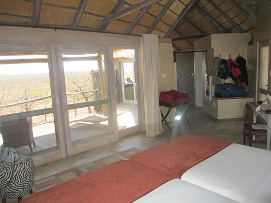 Ongava Lodge: camera vista parco
