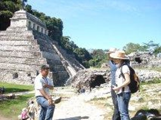 Hotel Ciudad Real Centro Historico: Palenque and Pakal history rediscovery