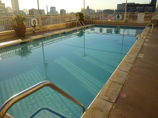 Holiday Inn San Francisco Golden Gateway : Roof top pool.