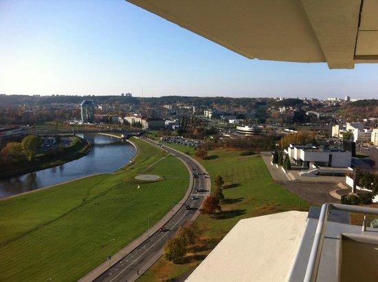 Radisson Blu Hotel Lietuva: Balkon Aussicht