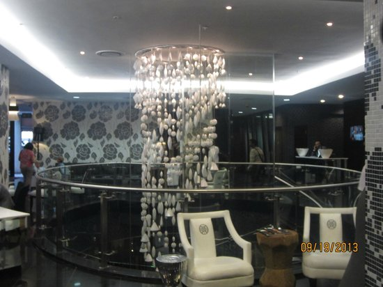 DaVinci Hotel and Suites: The lobby