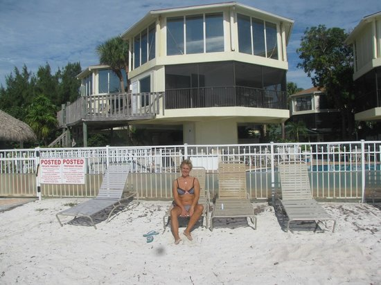 Cocoplum Beach & Tennis Club & Marina: room 2 on the beach