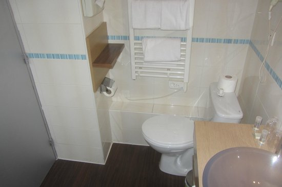 Ibis Styles Annecy Gare Centre : les WC coincés dans le coin