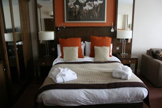 Best Western Plus Milford Hotel: nice bed