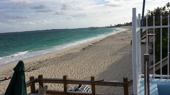 Paradise Island Beach Club: Vue du ponton
