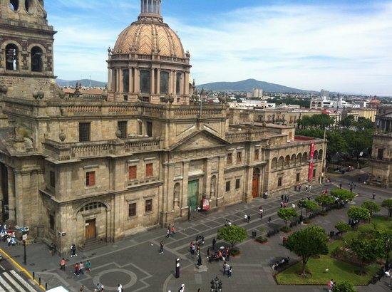 One Guadalajara Centro Històrico: Maravillosa vista de mi habitacion, parecia postal!