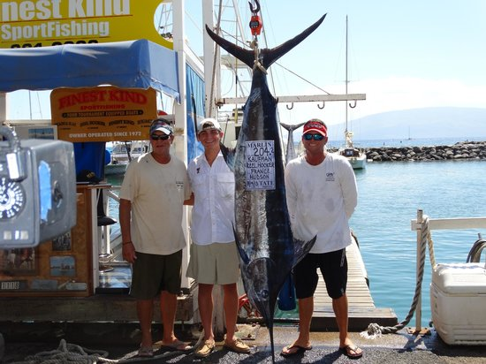Finest Kind Sportfishing : Carson and the two Captians