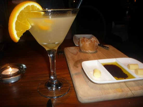 Fairfield House Hotel: to get the ball rolling - breakfast martini and bread