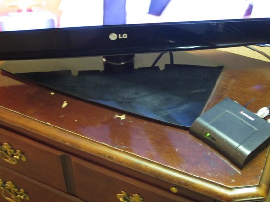 Quality Inn : TV Stand in rough shape