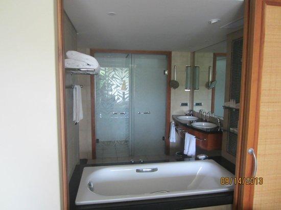 Arabella Hotel & Spa: bathroom