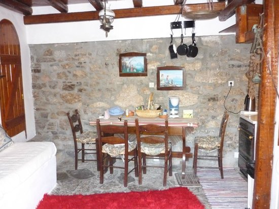 The Traditional Homes and Villas of Crete : The one downstairs room (with bathroom off it)