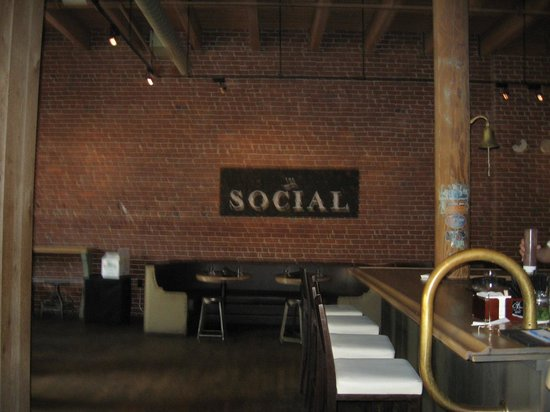 Entrance Into The Social Picture Of Public House Chattanooga