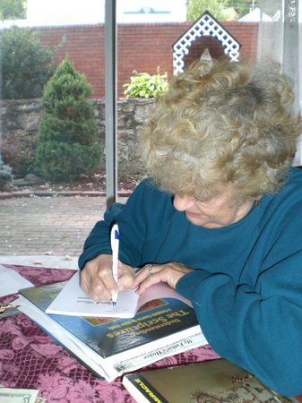 Maria's Garden and Inn: Peggy Perry signing her book of poems