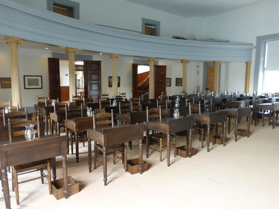 Old State House Museum: House Chamber