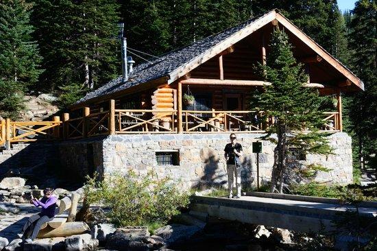 Lake Agnes Teahouse: Lake Agnes Tea House