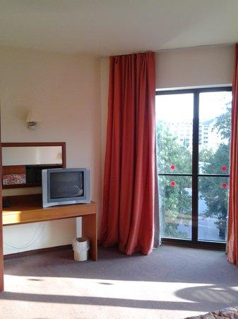 Golden Yavor Hotel: в спальне