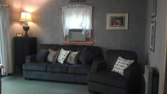 """Laurel Ridge Cabins : """"In the Garden"""""""
