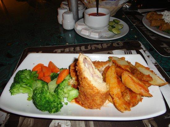 Restaurante Bar Terraza : Prato de Pollo.