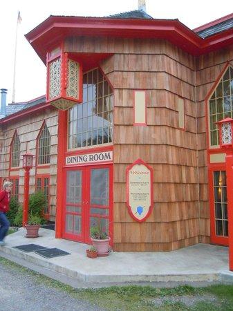 Naniboujou Historic Lodge Restaurant: Entrance to the restaurant