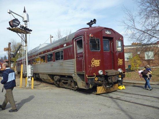 Conway Scenic Railroad: Buddliner