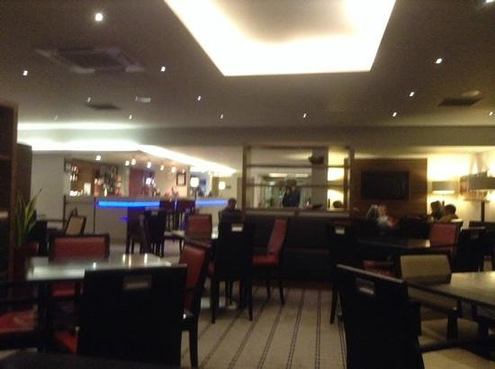 Holiday Inn Express Bristol - North: Not great quality but view of bar/reception.