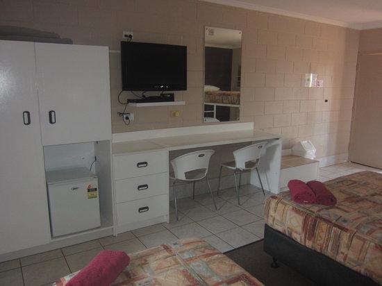 Eldorado Motor Inn: Room 4